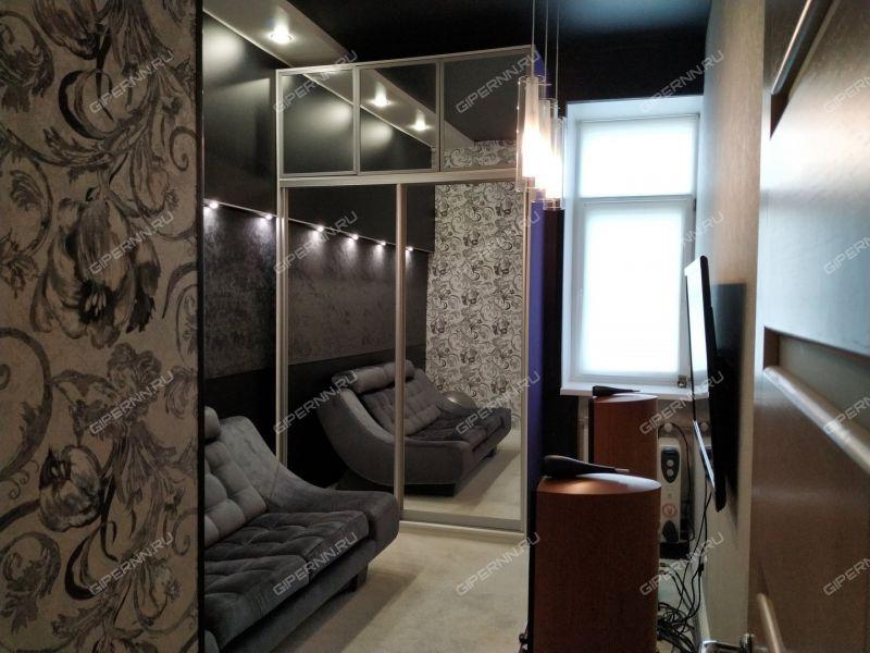 трёхкомнатная квартира на улице Страж Революции дом 6