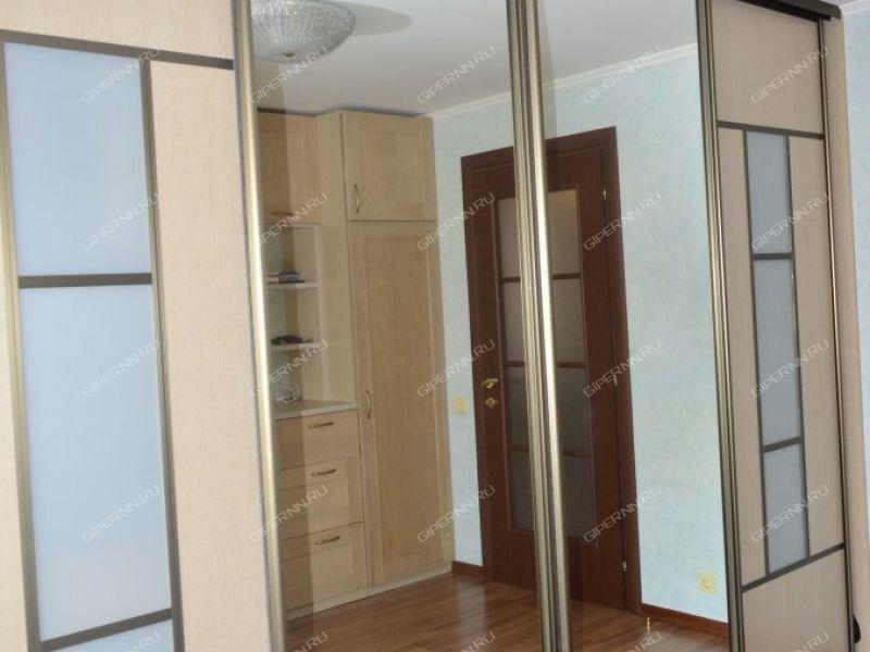 пятикомнатная квартира на улице 1-й микрорайон Щербинки дом 2