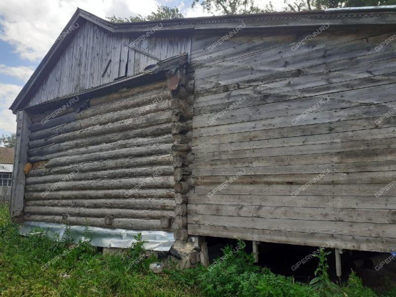 дом на улице Красный Порядок село Красное
